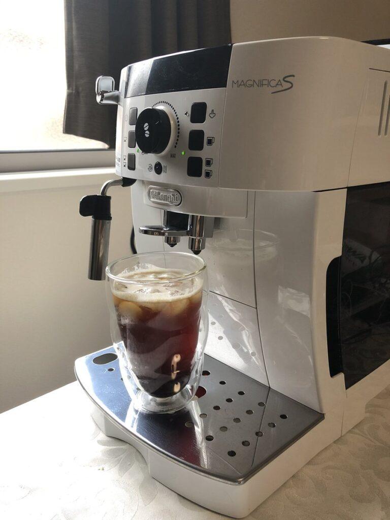 デロンギコーヒーメーカー MAGNIFICAS